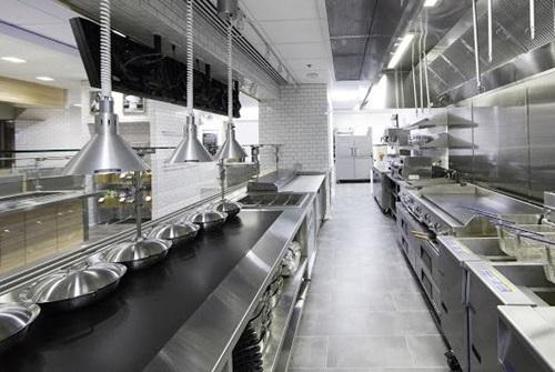 Sử dụng một số hỗn hợp chuyên dụng để giúp bếp ăn công nghiệp được sáng bóng hơn