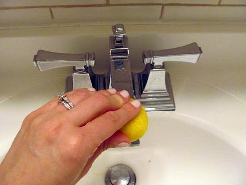 Chanh - giúp khử sạch các vết bẩn cứng đầu