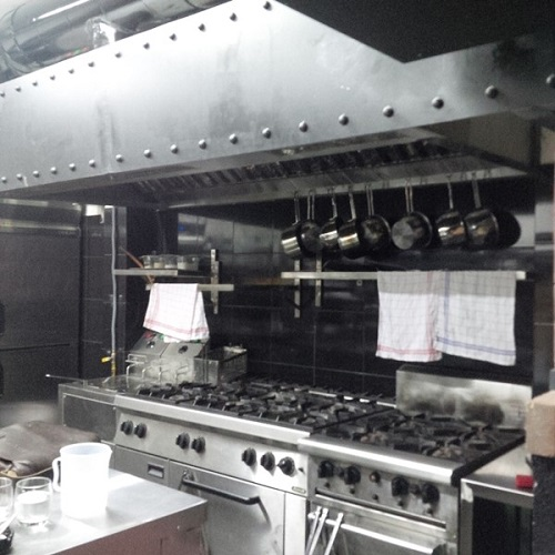 Gia công inox tại bếp ăn công nghiệp hoàn chỉnh