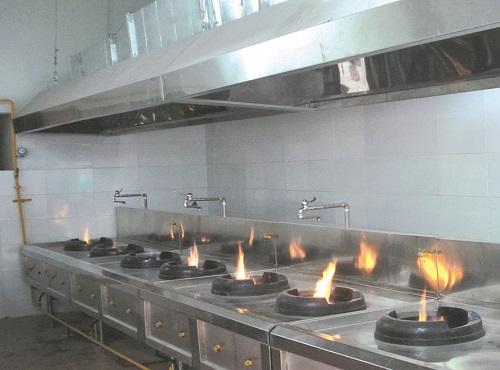 Máng hút khói công nghiệp- thiết bị không thể thiếu trong mỗi căn bếp